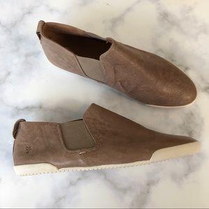 Frye Melanie Chelsea Slip On Sneaker Flat Shoes